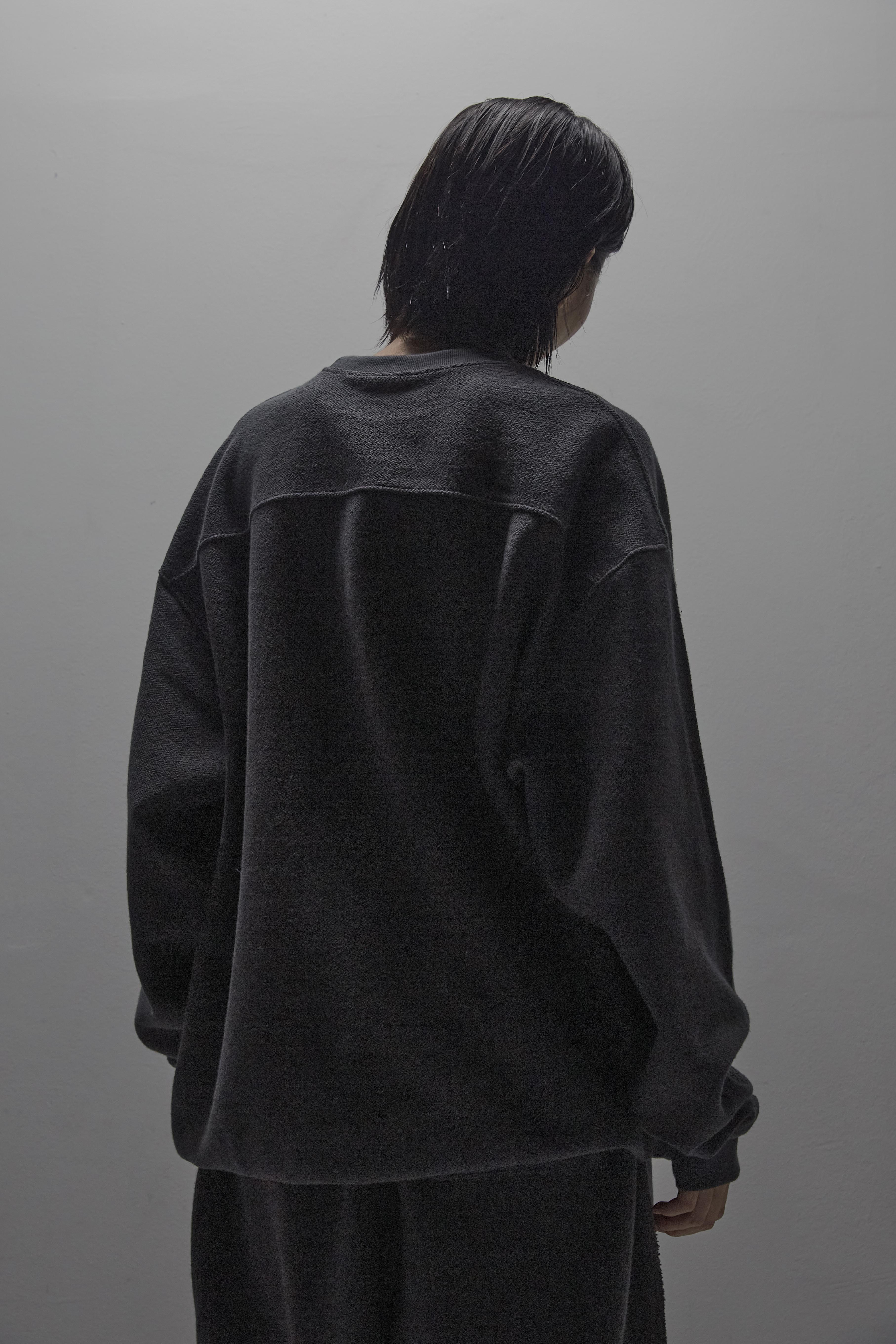 Carp man to man [dark gray]